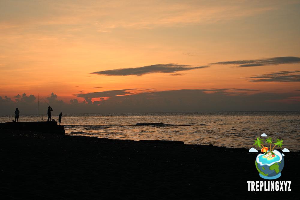 Sunset di pantai