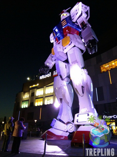 Foto Selfie Dengan Robot Gundam Ukuran Asli Di Odaiba Tokyo