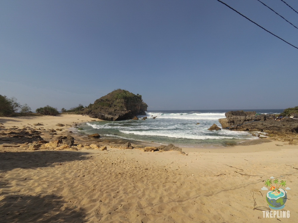 Pacitan, Surga Tersembunyi Di Pulau Jawa